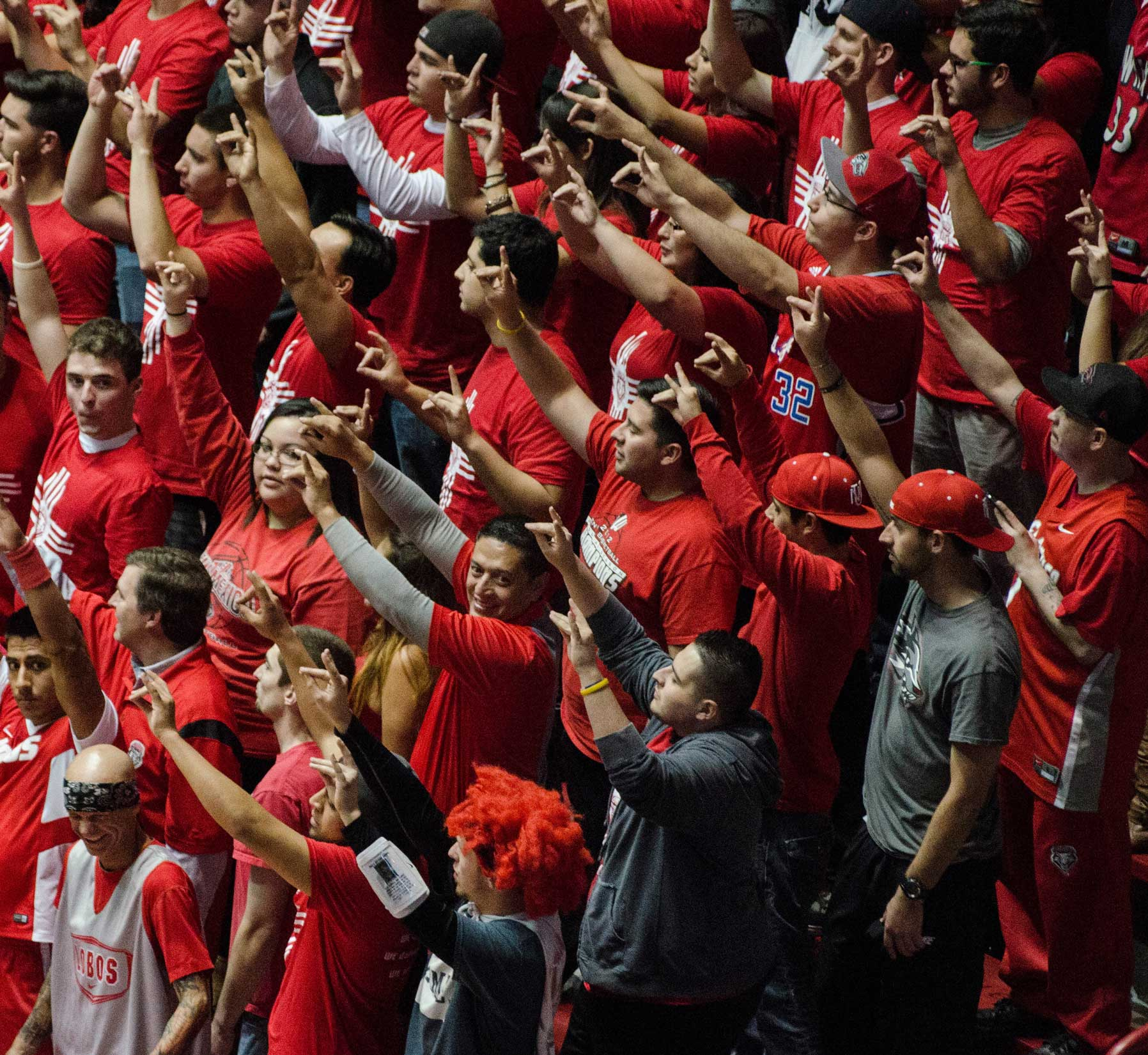 UNM Students cheering at The Pit